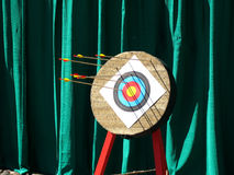 Competición del dardo. Fotos de archivo