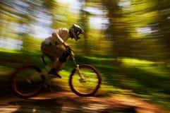 Competición extrema de la bici de montaña Foto de archivo libre de regalías