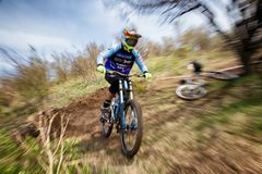Competición extrema de la bici de montaña Imagenes de archivo