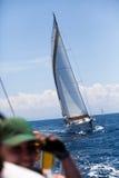 Competidor del barco durante de regatta de la navegación Fotografía de archivo libre de regalías