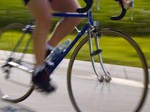 Competir con la bicicleta Fotos de archivo