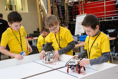 Competitions of robots among school students Royalty Free Stock Photos