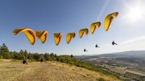 Compilación un despegue del paragliding Fotografía de archivo libre de regalías