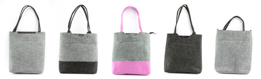 Compilatie van geïsoleerde gevoelde handtassen voor het winkelen Stock Fotografie