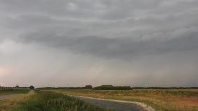 Compilatie van verscheidene bliksemstakingen van een hoog gebaseerde onweersbui stock video