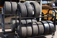 Compitiendo con los neumáticos - portilla de las marcas de fábrica Imagenes de archivo