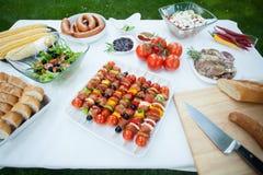 Complètement de la nourriture savoureuse de gril Photographie stock