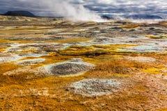 Complètement du llandscape de Namafjal de soufre et de vapeur, l'Islande Image libre de droits