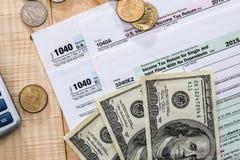 compléter la feuille d'impôt 1040 Image stock