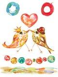 Compleanno e Valentine Card con gli uccelli ed il cuore, ghirlanda decorativa allegra dell'acquerello Fotografia Stock