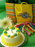 Compleanno verde e giallo Immagini Stock