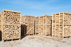 Complejo de madera para la venta en el depósito Foto de archivo libre de regalías