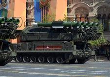 ` Complejo del ` BUK-M2 del misil antiaéreo durante el desfile militar en cuadrado rojo en honor de Victory Day Foto de archivo libre de regalías