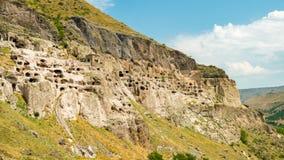 Complejo del monasterio de la cueva de Vardzia, Lesser Caucasus, Georgia imagen de archivo