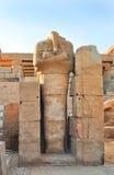 Complejo del templo de Karnak. Estatua del pharaoh Imágenes de archivo libres de regalías