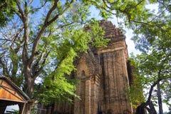 Complejo del templo de la torre del Cham del Po Nagar en la ciudad Nha Trang fotografía de archivo