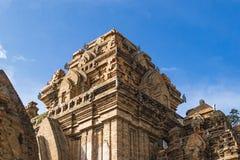 Complejo del templo de la torre del Cham del Po Nagar en la ciudad Nha Trang fotografía de archivo libre de regalías