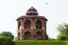 Complejo interior mandal del qila del purana de Sher en Delhi imagen de archivo libre de regalías