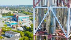 Complejo moderno de la fábrica de la refinería del gas existencias Central eléctrica de la producción petrolífera Los tanques del Imágenes de archivo libres de regalías