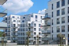 Complesso degli appartamenti moderni Fotografie Stock Libere da Diritti