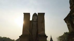Complesso del tempio del sukhothai in Tailandia archivi video