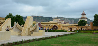 Complesso dell'osservatorio di Jantar Mantar a Jaipur Immagine Stock