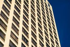 Complesso di appartamento in un grattacielo moderno Fotografia Stock