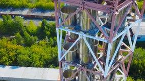 Complesso moderno della fabbrica della raffineria del gas azione Centrale elettrica di produzione di petrolio Serbatoi metallici  fotografie stock