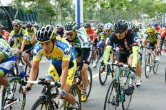 Complete un ciclo la raza, actividad del deporte de Asia, jinete vietnamita Imagen de archivo