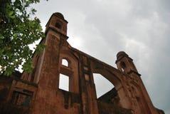Complex Lalbagh kellaMughal fort dat zich vóór de Buriganga-Rivier bevindt royalty-vrije stock afbeeldingen