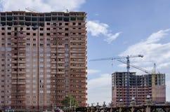 Complex van bruine huizen in aanbouw Royalty-vrije Stock Afbeelding