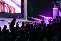 Complexe acrobatische dansen Stock Afbeeldingen