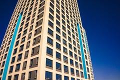 Complexe d'appartements ayant beaucoup d'étages moderne Photo libre de droits