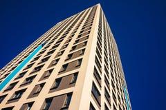 Complexe d'appartements ayant beaucoup d'étages moderne Photo stock