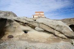 Complexe de caverne d'Uplistsikhe avec la basilique de trois-Nave, la Géorgie Photo libre de droits
