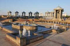 Complexe et pavillons de fontaines avec des dômes Photographie stock