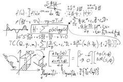 Complexe wiskundeformules op whiteboard Wiskunde en wetenschap met economie royalty-vrije stock afbeelding