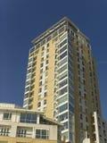 Complexo amarelo do cais das zonas das docas de Inglaterra Londres Imagens de Stock