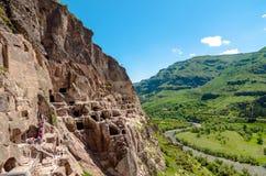 Complexo da cidade da caverna de Vardzia imagens de stock