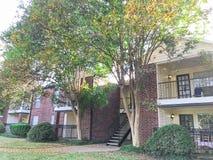 Complexo de apartamentos de duas histórias em Dallas Fort Worth suburbano, Texas foto de stock royalty free