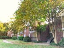 Complexo de apartamentos típico em Dallas Fort Worth suburbano, Texas mim imagens de stock