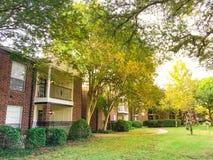 Complexo de apartamentos típico em Dallas Fort Worth suburbano, Texas mim foto de stock
