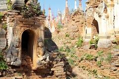 Complexo de Dain Pagoda da pensão de Shwe fotos de stock royalty free