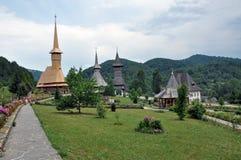 Complexo de madeira ortodoxo do monastério de Barsana Fotografia de Stock
