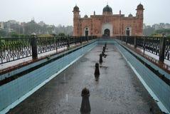 Complexo do forte de Mughal do kella de Lalbagh que está antes do rio de Buriganga foto de stock