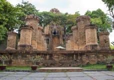 Complexo do templo do Po Nagar foto de stock royalty free