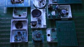 Componentes de radio en tablero electrónico metrajes