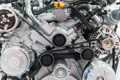 Componentes do motor do motor do caminhão no serviço do carro imagem de stock