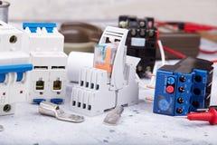 Componentes elétricos e peças do equipamento e do spre imagens de stock royalty free