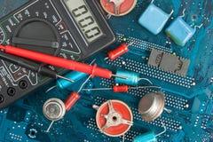 Componentes eletrônicos velhos fotografia de stock royalty free